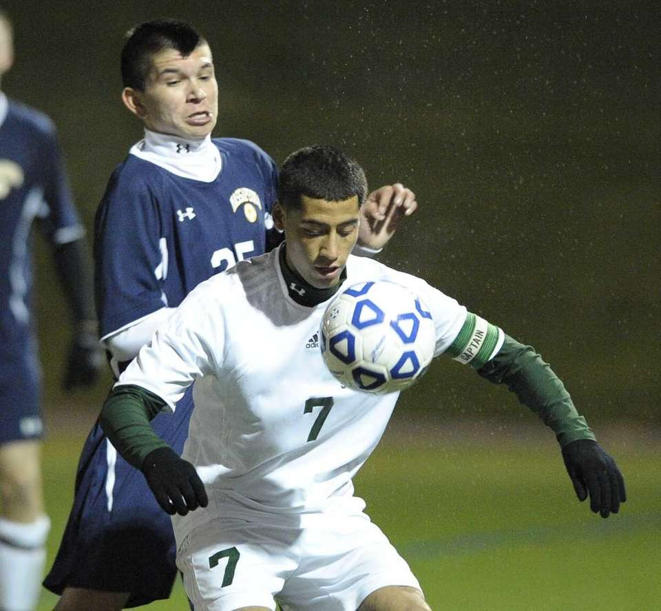 Brentwood's Julio Olivares traps the ball in front