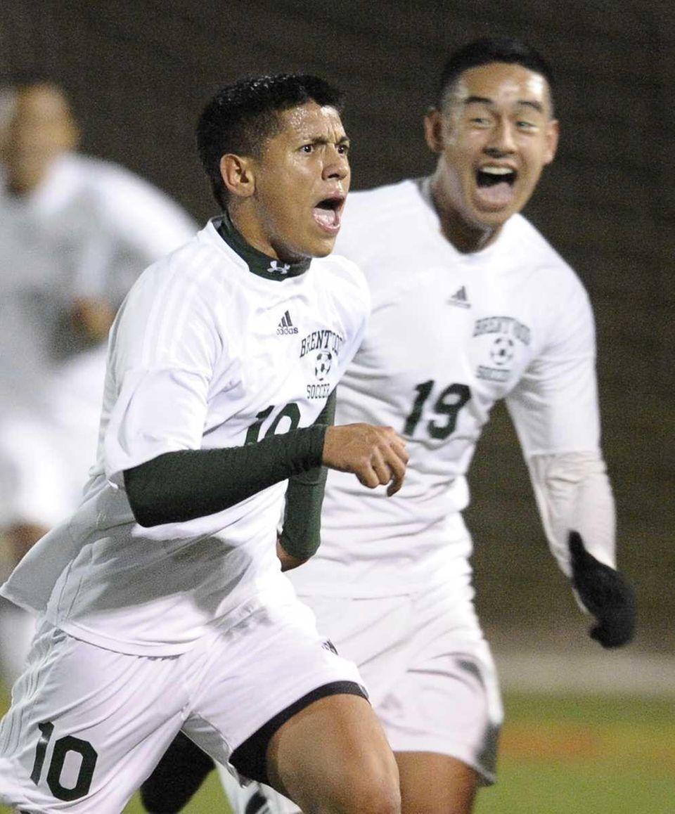 Brentwood's Frank Guzman, left, celebrates his goal with