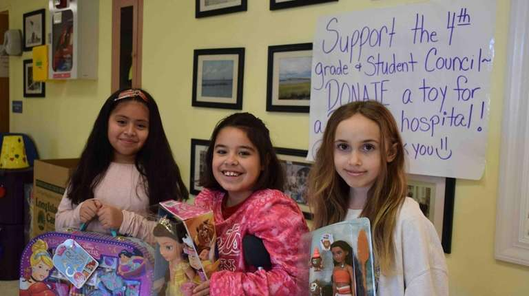 LI Schools Collect Holiday Gifts