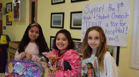Fourth-graders at Hampton Bays Elementary School and the