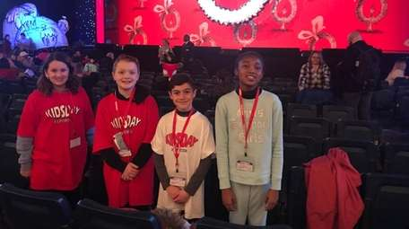 "Kidsday reporters getting ready to see ""How the"