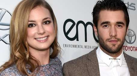Emily VanCamp and Josh Bowman, seen here
