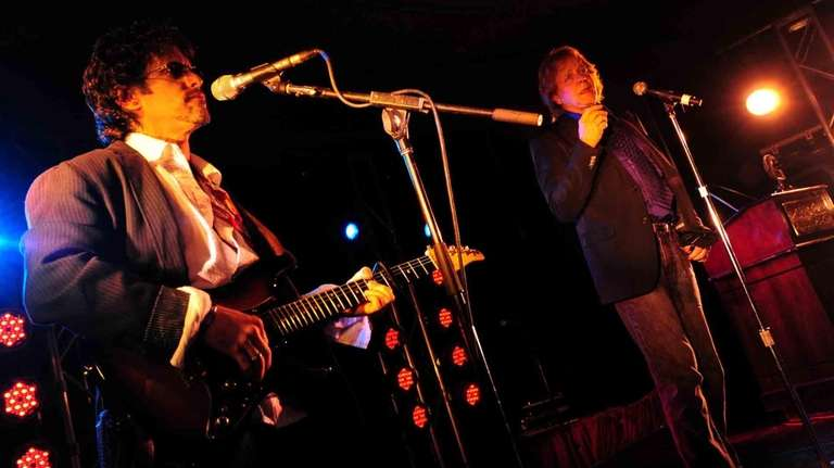 Eddie Money, right, performs during the 2010 Long