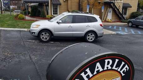 Charlie Brown's Steakhouse closed
