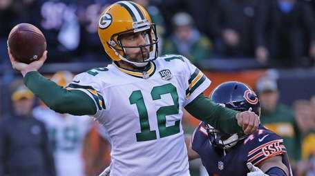 Packers QB Aaron Rodgers suffered a groin injury