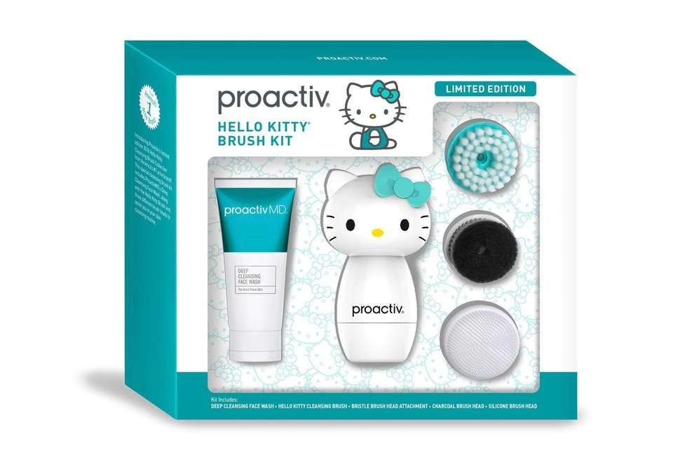 The Proactiv x Hello Kitty brush kit features