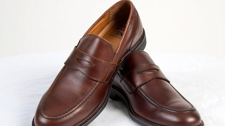 ee065c2faa01 New men s waterproof shoes keep rain off fashion parade