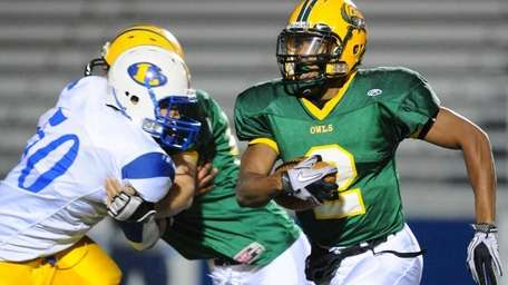 Lynbrook High School running back #2 Travis Lock