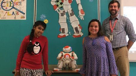 Kidsday reporters Arisha Aziz, left, and Arianna Conde