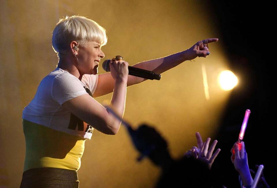 HOLLYWOOD, CA - APRIL 07: Singer Robyn performs