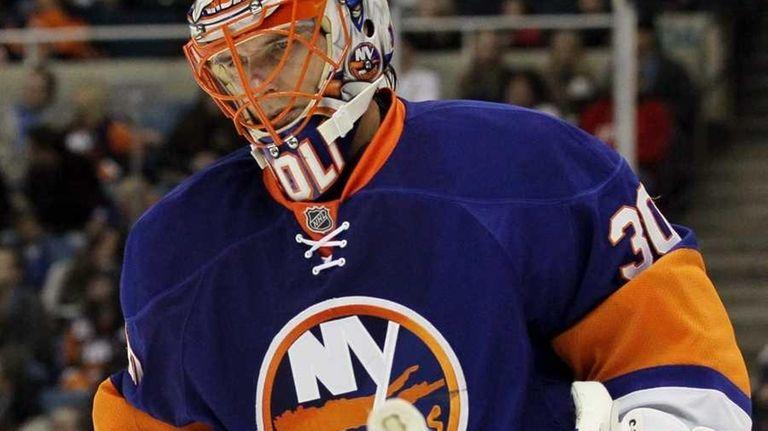 Dwayne Roloson #30 of the New York Islanders