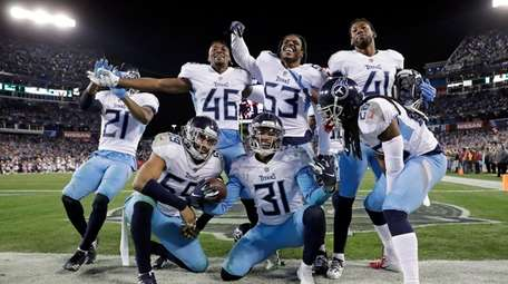 Tennessee Titans free safety Kevin Byard (31) celebrates