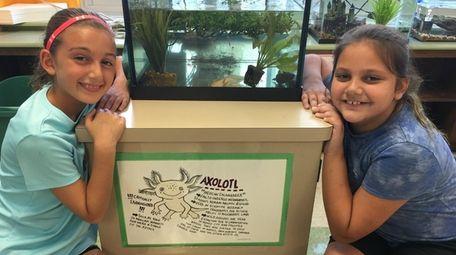 Kidsday reporters Jocelyn Scarlatos, left, and Kaylee Fehrenbach