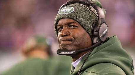 Jets coach Todd Bowles reacts to the Texans'