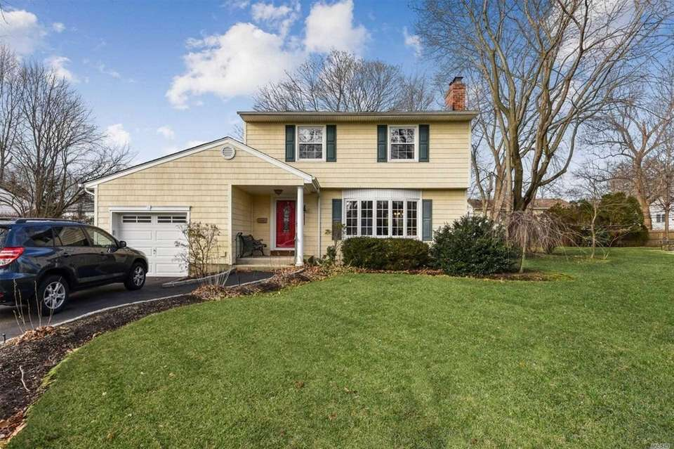 This Melville Colonial includes three bedrooms and 1