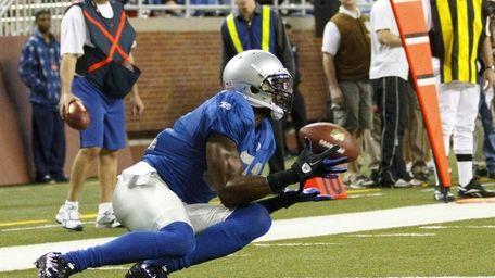 Detroit Lions wide receiver Calvin Johnson catches a