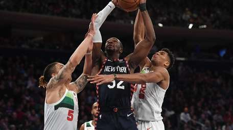 Noah Vonleh of the NY Knicks is guarded
