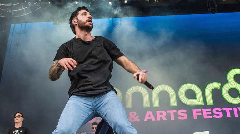 "Jon Bellion will bring his ""Glory Sound Prep"""