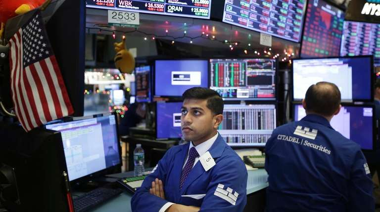 Stocks rebound as traders return from Christmas holiday