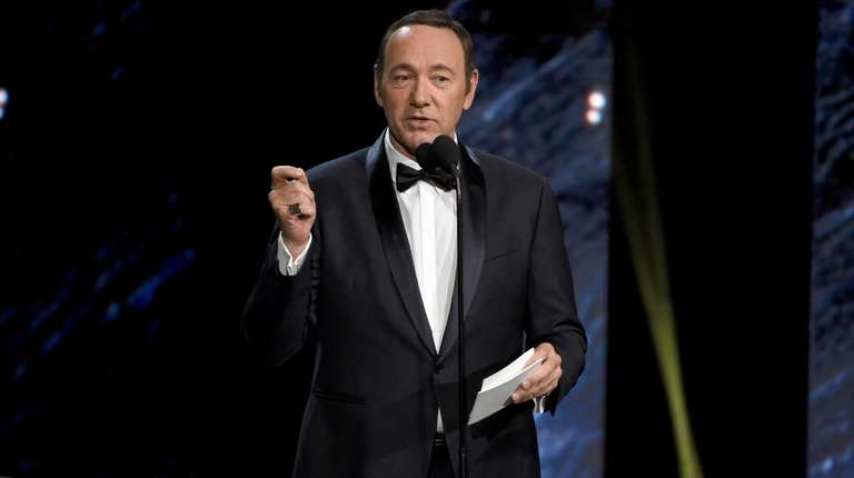 Kevin Spacey presents an award in Beverly Hills,