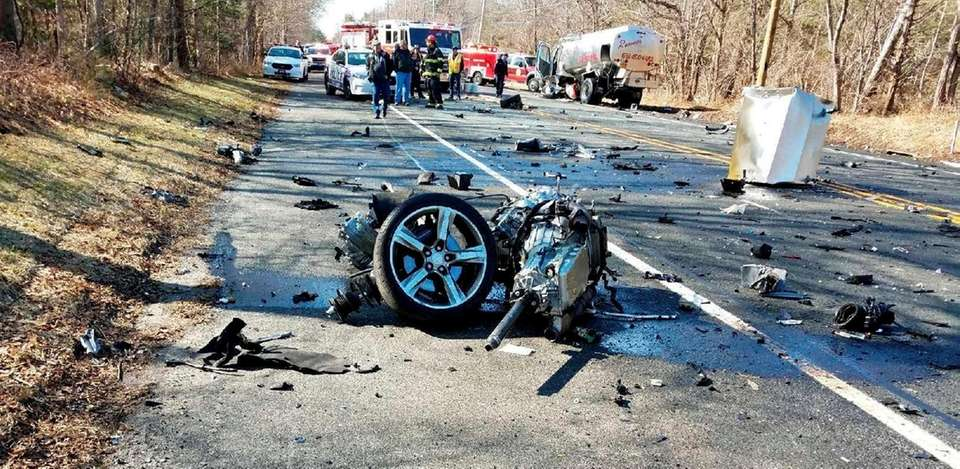 Scene of serious crash on Middle Country Road