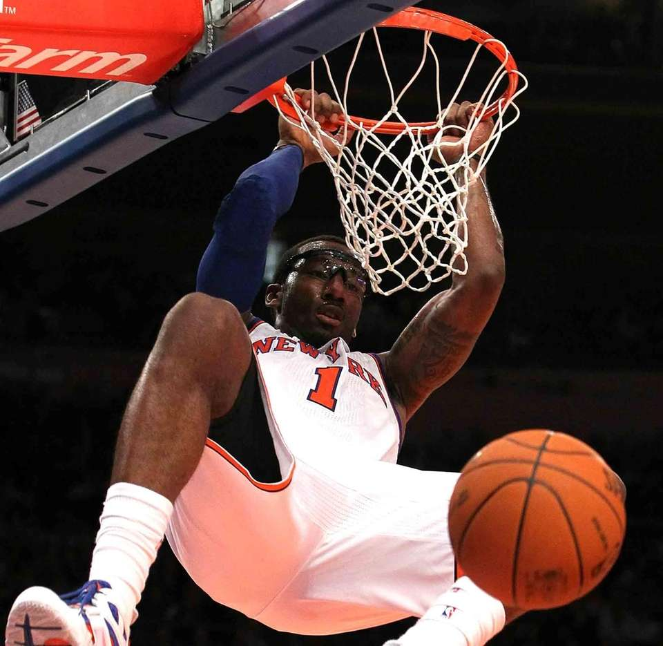 Amar'e Stoudemire of the New York Knicks dunks