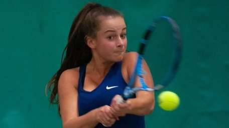 Hewlett's Rachel Arbitman won state girls tennis singles