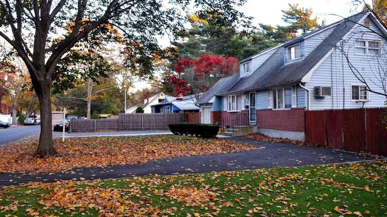 A foreclosed home in Brentwood remains empty. (Nov.