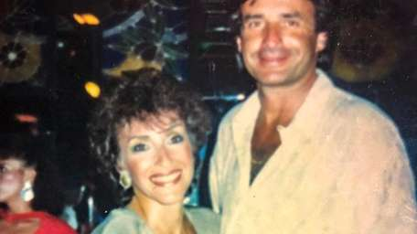 Sue and Bob Weinstein of Syosset in a