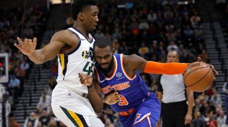 New York Knicks' Tim Hardaway Jr. (3) drives