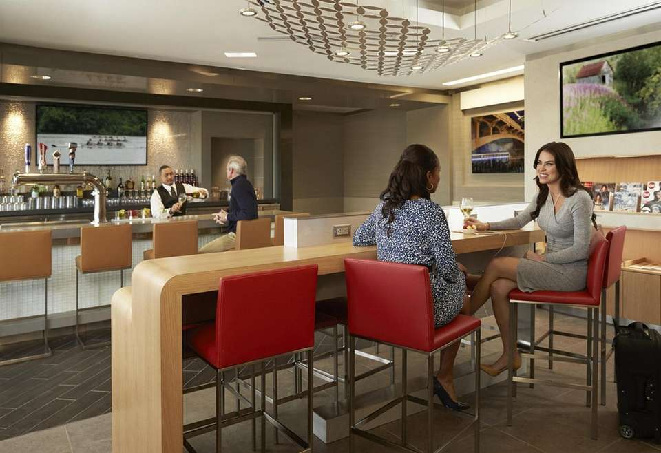 American Airlines Admirals Club Locations: 50+ Day pass: