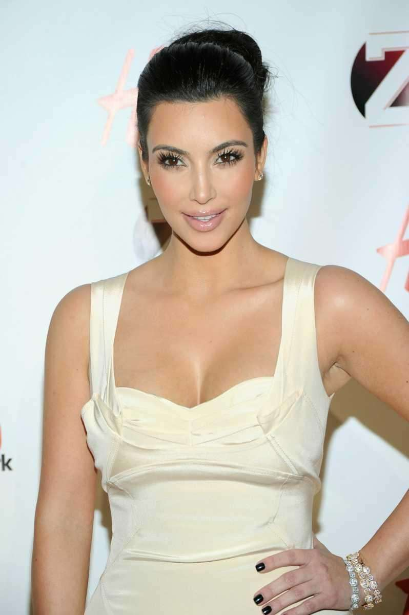 Kim Kardashian attends Z100's Jingle Ball 2010 at