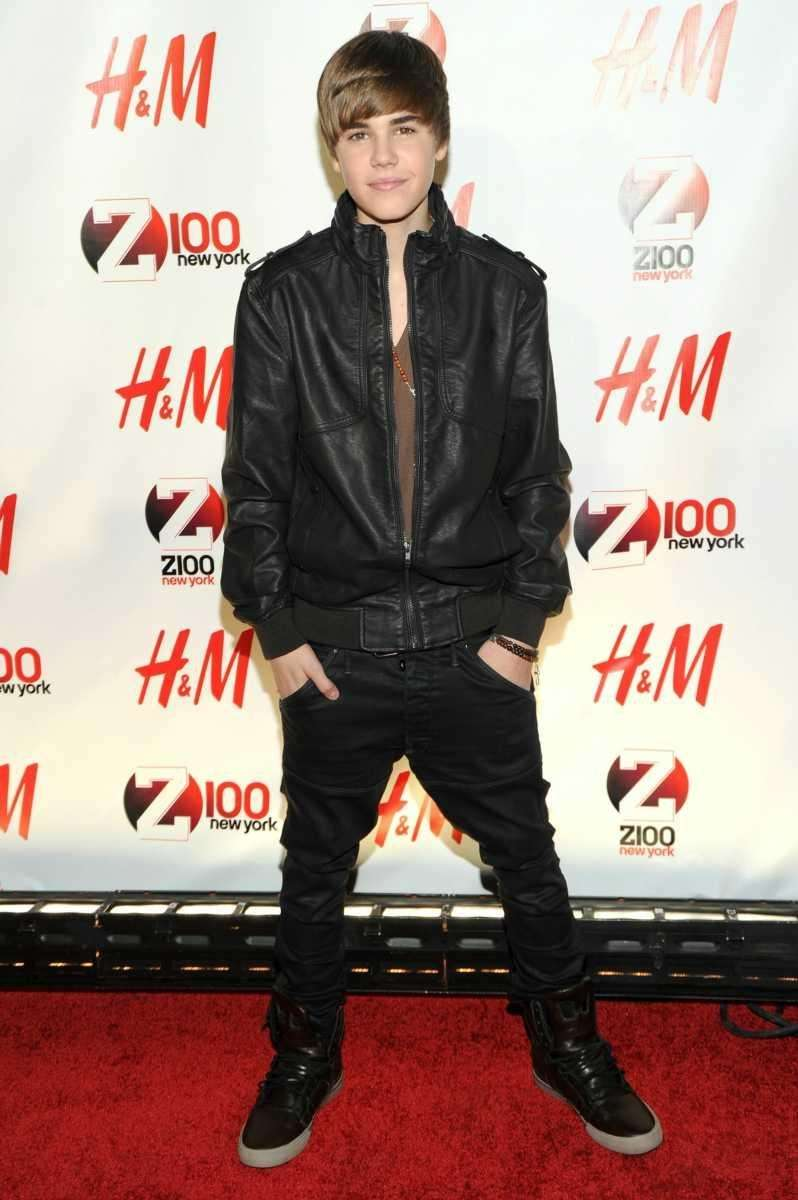 Justin Bieber attends Z100's Jingle Ball 2010 at