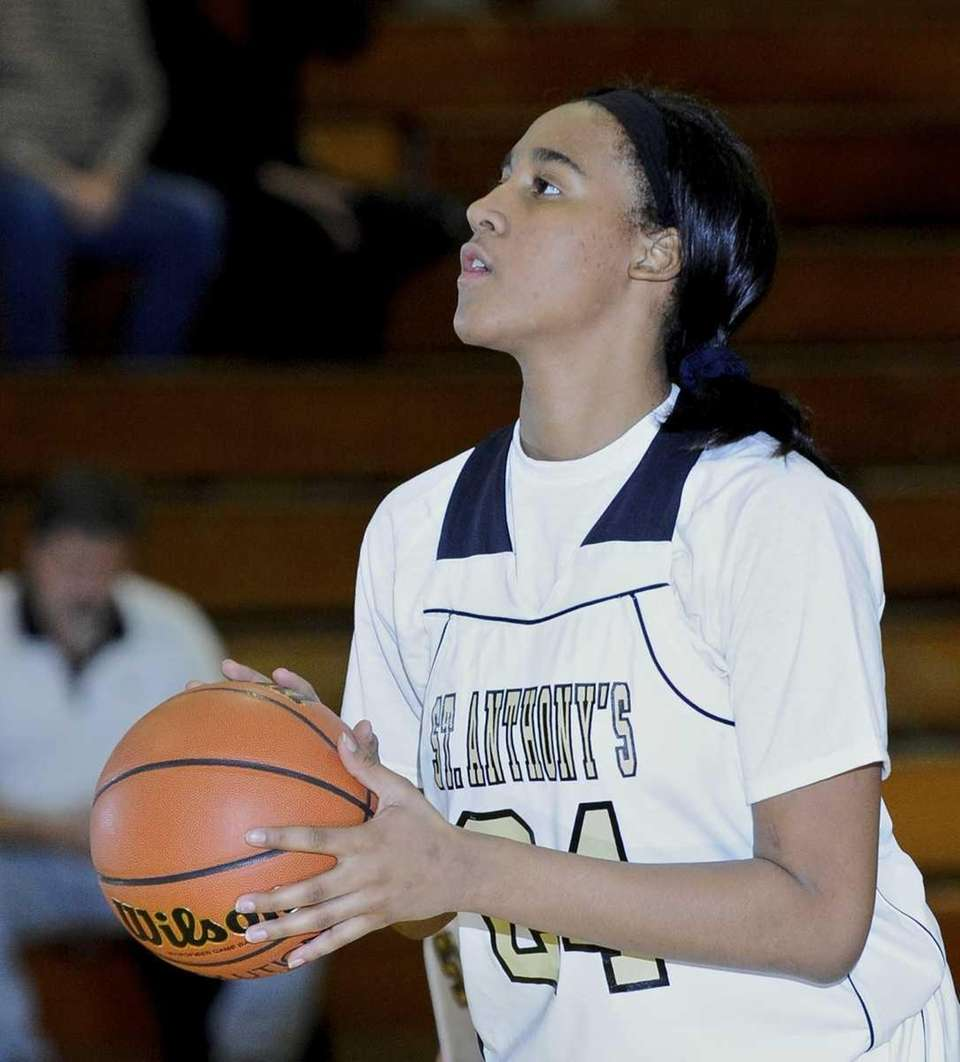 St. Anthony's Symone Kelly looks to shoot during
