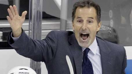 New York Rangers coach John Tortorella yells at