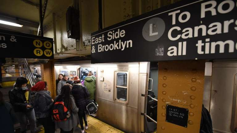 Only one of the Canarsie Tunnel's two train
