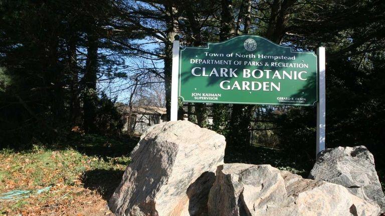 Gentil Clark Botanic Garden Is In Albertson