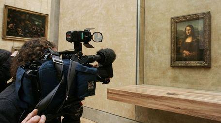 A camera crew films Leonardo da Vinci's Renaissance