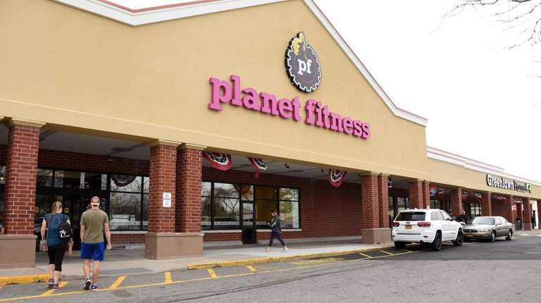 Planet Fitness and Greenlawn Farms divided the former