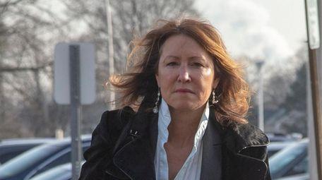 Katuria D'Amato arrives at matrimonial court in Mineola