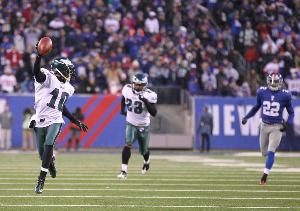 DeSean Jackson #10 of the Philadelphia Eagles returns