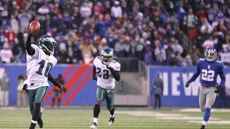 DeSean Jackson #10 of the Philadelphia Eagles returns