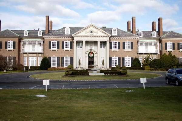 A mansion built for John Teele and Ruth