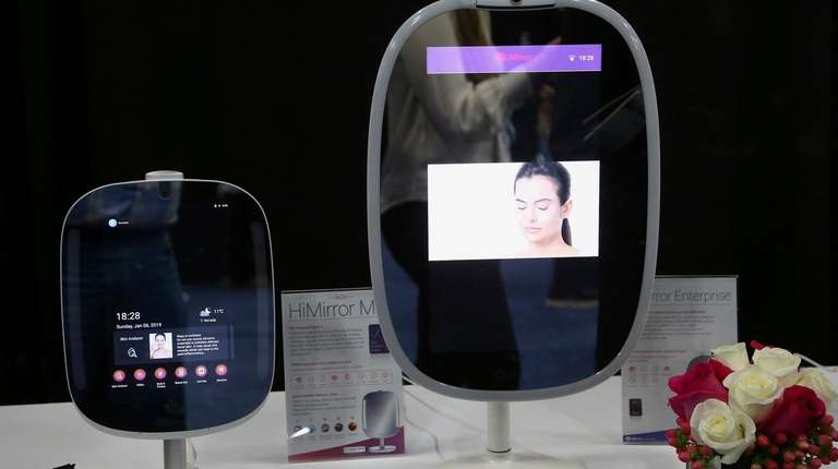 Two different sizes of the HiMirror, which uses