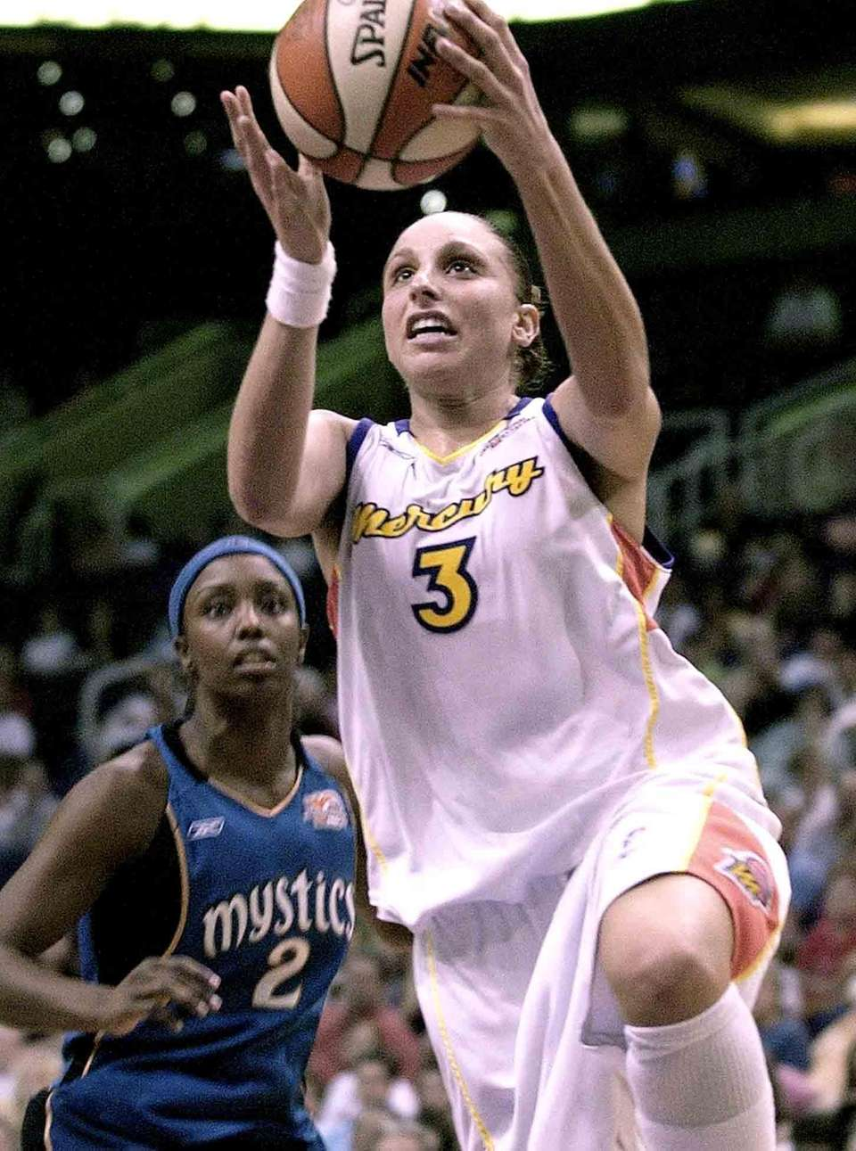 Phoenix Mercury guard Diana Taurasi drives to the