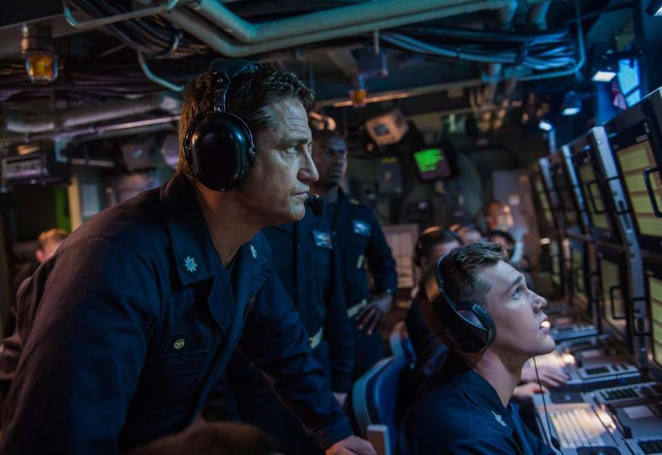 Gerard Butler is an American submarine commander on