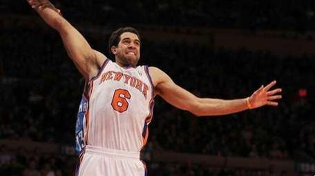 The Knicks' Landry Fields sent home a spectacular