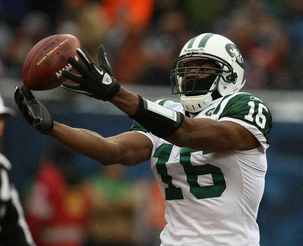 The Jets' Brad Smith muffs the ball on