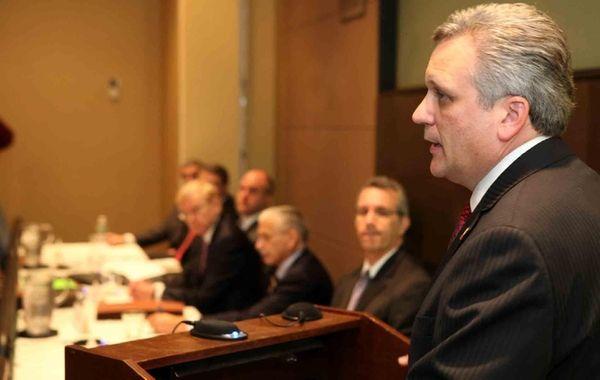 Nassau County Executive Ed Mangano speaks to the