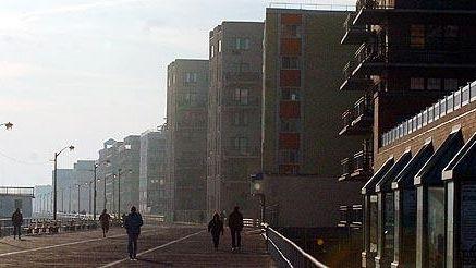 Apartments along the board walk in Long Beach